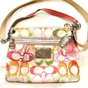 COACH POPPY SIGNATURE CROSSBODY M1093-17049